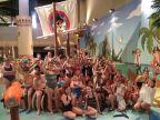 Uczestnicy zajęć sportowych w aquaparku