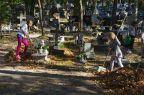 Harcerskie porządki na cmentarzu w Międzyzdrojach