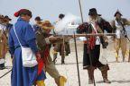 Husaria i rajtarzy na plaży